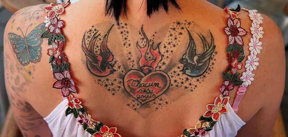 DocTattooentfernung Tattoo Tätowierung Rücken Copyright Leo_Karstens Pixabay