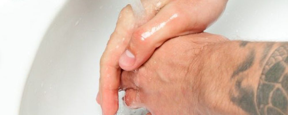 Tattoo-Pflege: Hände waschen bitte nicht vergessen!