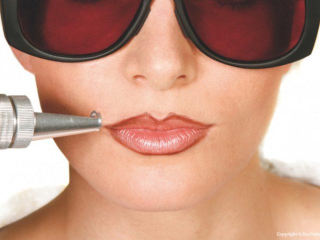 Permanent Make-up Entfernung mit Laser