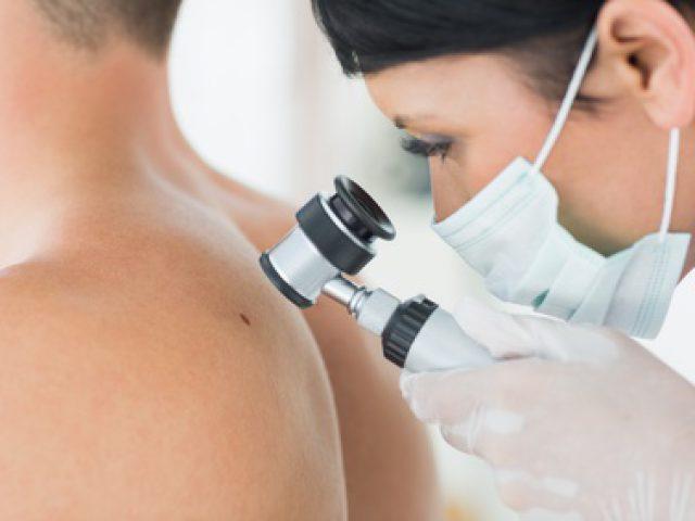 Tätowierer spielen in der Haut ihrer Kunden eine wichtige Rolle